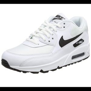 Nike Air Max 90 in White/Black size 8.5